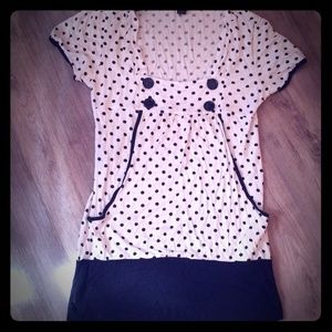🎁4/$20🎁 Cute kangaroo pocket polka dot top